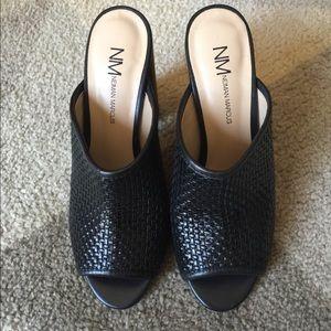 Neiman Marcus shoes size 6.5